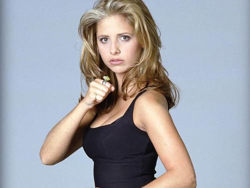 Sarah-Michelle-Gellar-as-Buffy