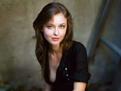 Katharine-Isabelle-image